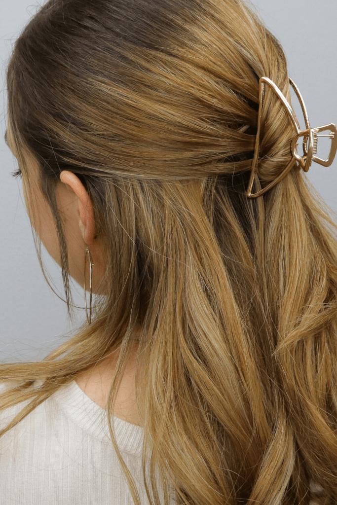 Il Mollettone per capelli torna di moda: Ecco come ...