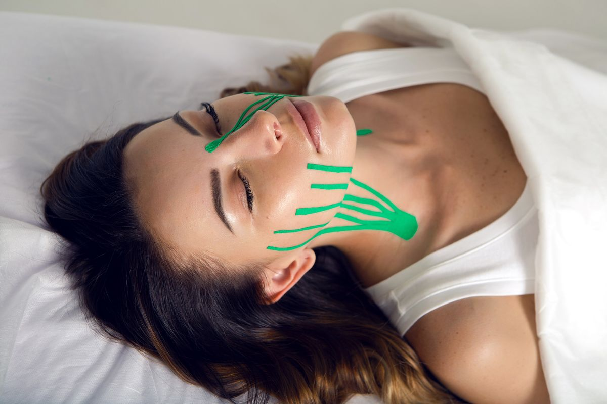 Face taping antiage pelle